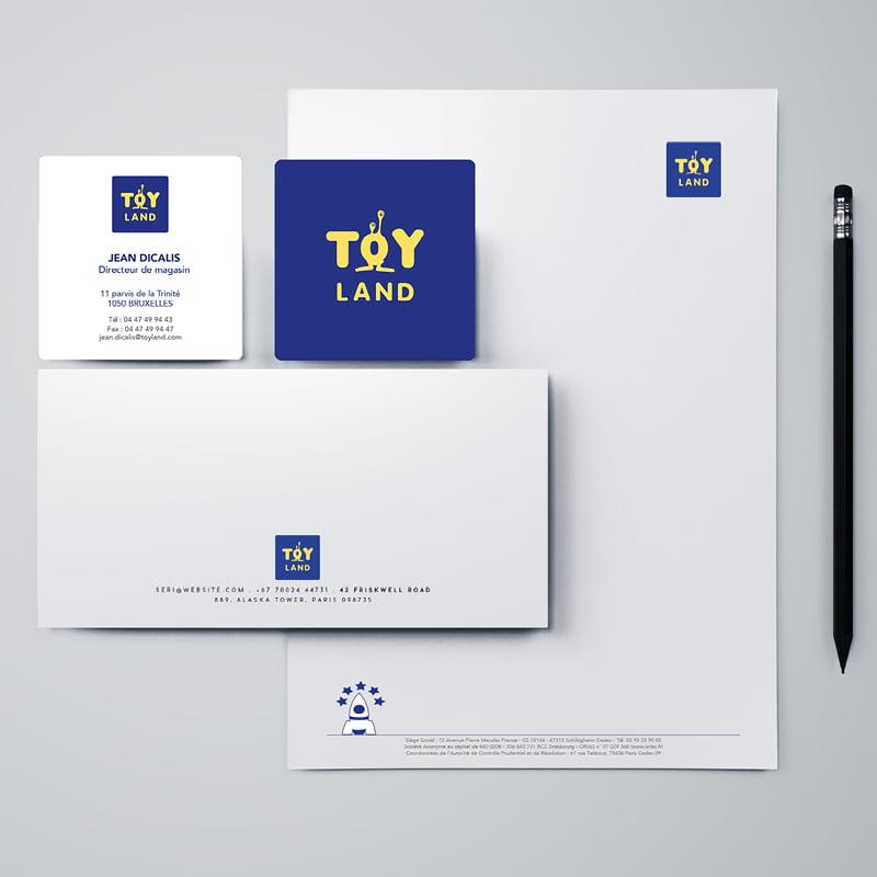 identité visuelle avec le logo Toyland, création de Frédérique Hayaux du Tilly, graphiste designer de c com'créa