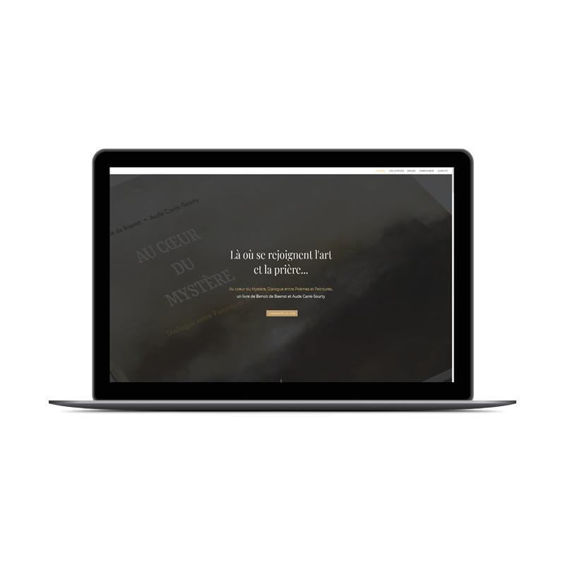 Écran de la page d'accueil du site Au coeur du Mystère créé par Frédérique Hayaux du Tilly, graphiste webdesigner de c com'créa